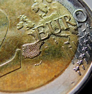 Pound to euro rate dips below 1.14 as markets await euro data