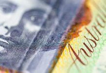 Pound Falls Against Australian Dollar Owing to Poor UK Retail Sales