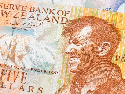 New Zealand Dollar improves against the Pound owing to rising inflation