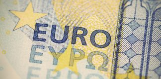 Pound to Euro Drops as Virus Drama Returns to London