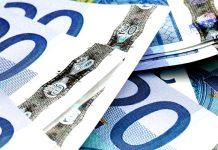 Euro Trades Below $1.08, Triggering Options Markets to Flash Warnings